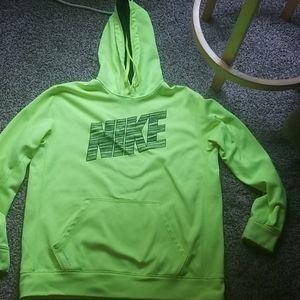 Nike hoodie therma-fit